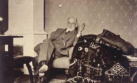 Freud introdujo el diván en la terapia psicológica pero ¿qué queda ahora de ello?