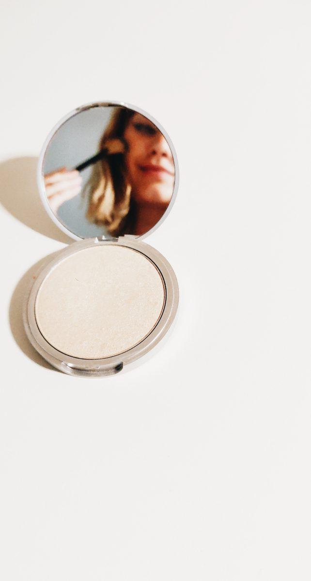 Maquillaje terapéutico, su función más allá de lo estético