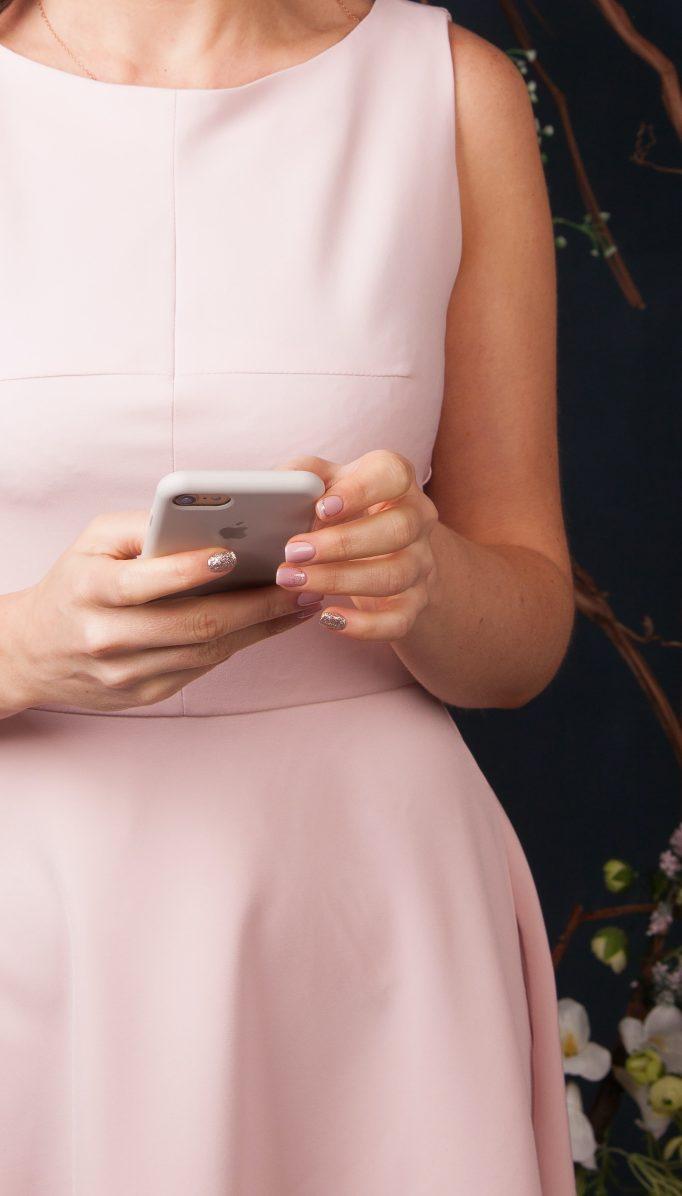 Así afectan redes sociales y las apps en las relaciones de pareja