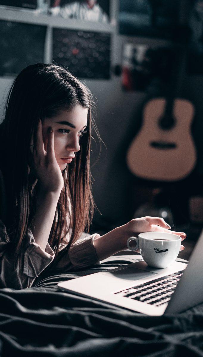 ¿Pasar el día haciendo videollamadas te causa estrés? Así puedes solucionarlo
