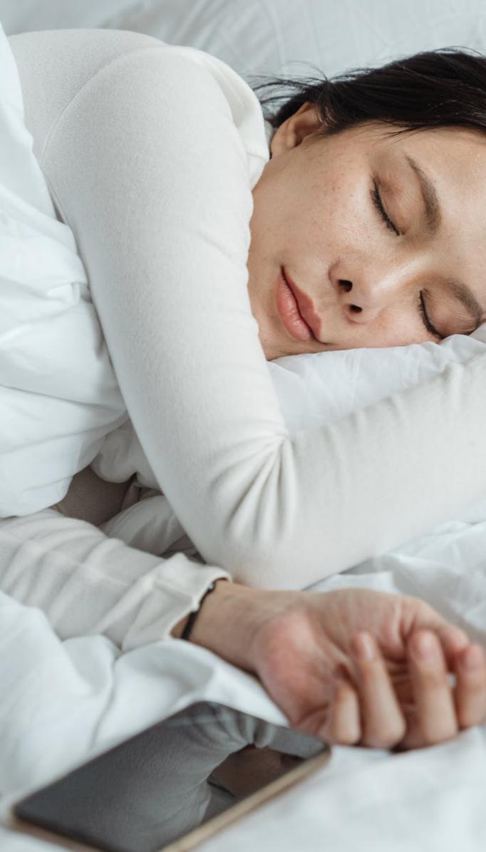 Dormirse en menos de un minuto con la técnica 4-7-8 de relajación